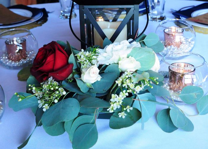 Table arrangement garland